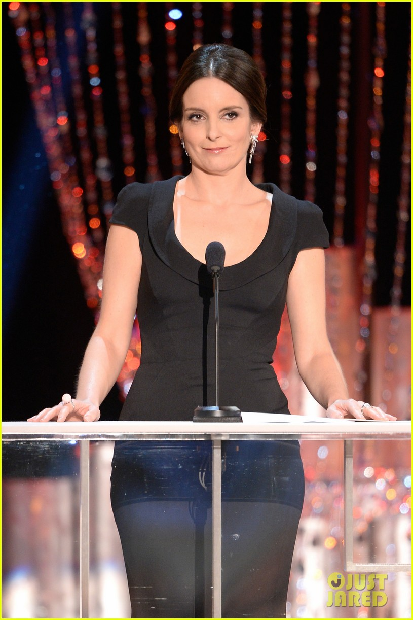 tina fey brings daughter alice to sag awards 2014 013034990