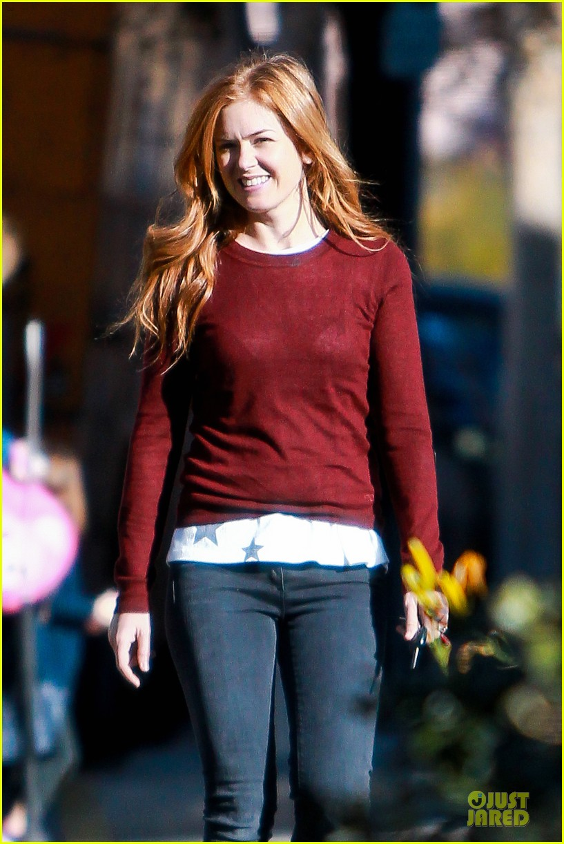 isla fisher runs errands before the sag awards 08