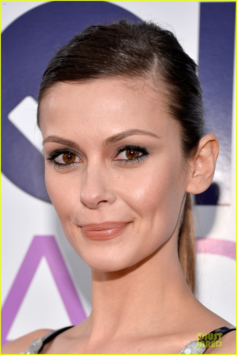 olga fonda joseph morgan peoples choice awards 2014 06