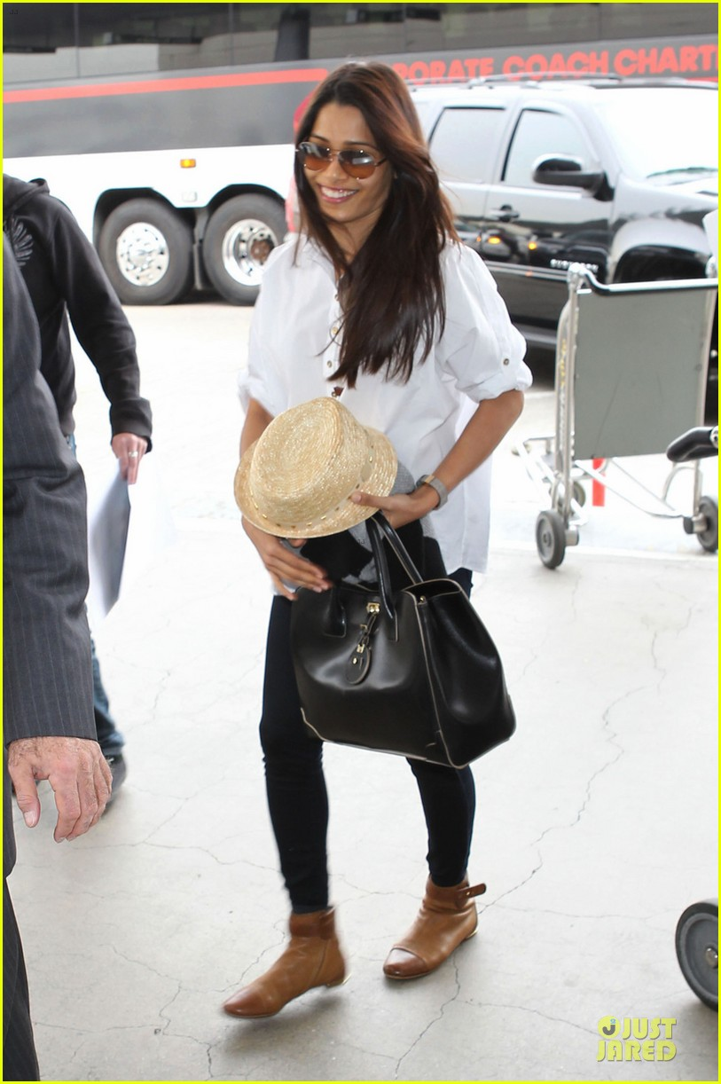 freida pinto first lax departure in the new year 023039906