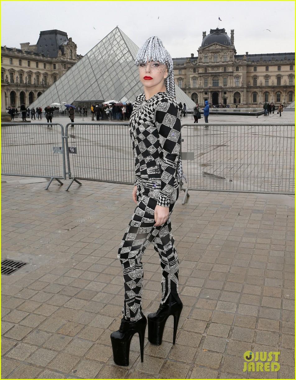 lady gaga visits museums during paris trip 073036316