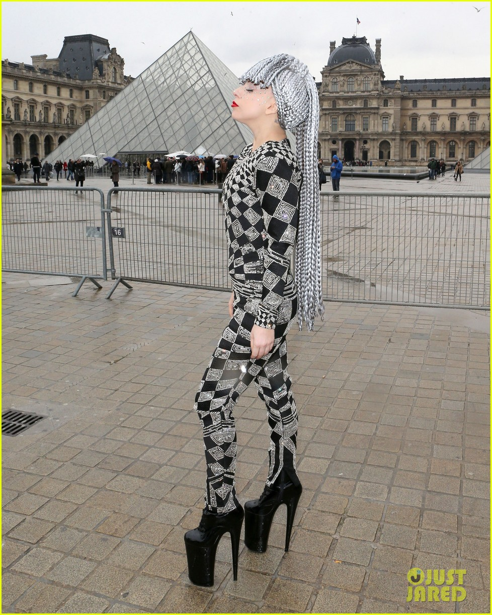 lady gaga visits museums during paris trip 11