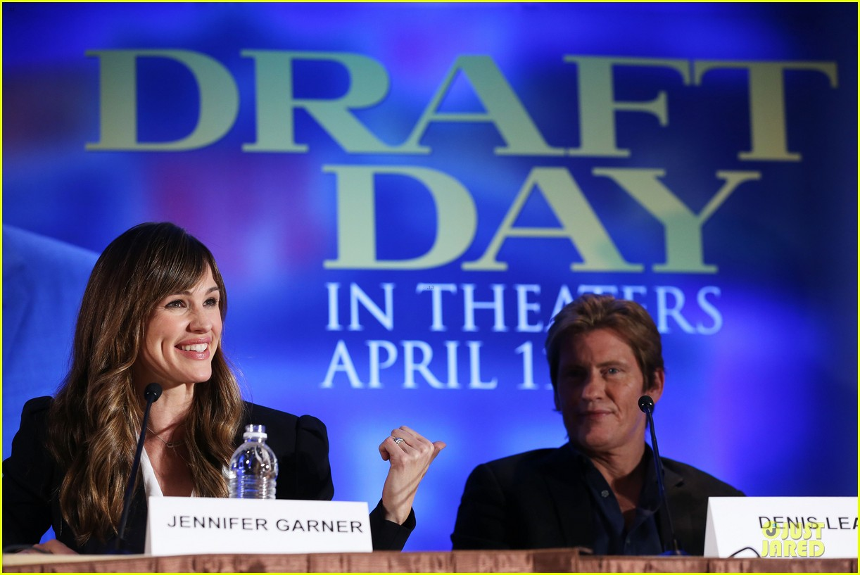 jennifer garner kevin costner draft day super bowl commercial watch now 08