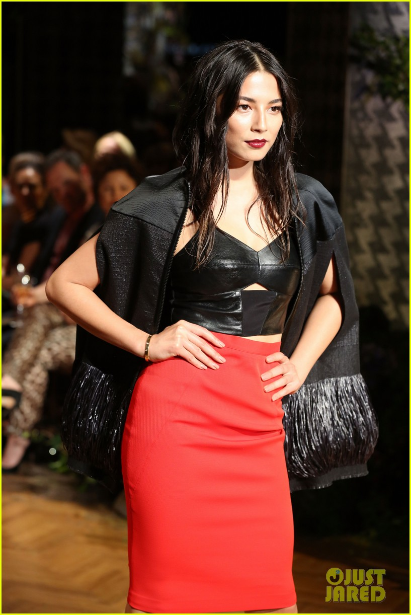 jessica gomes hits the runway for david jones collection launch 19