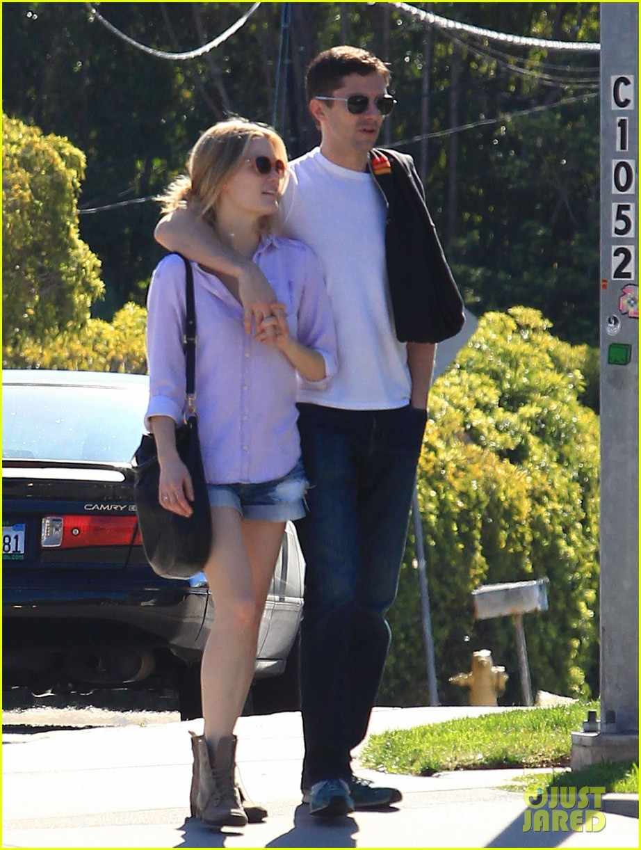 topher grace holds hands with new girlfriend ashley hinshaw 01