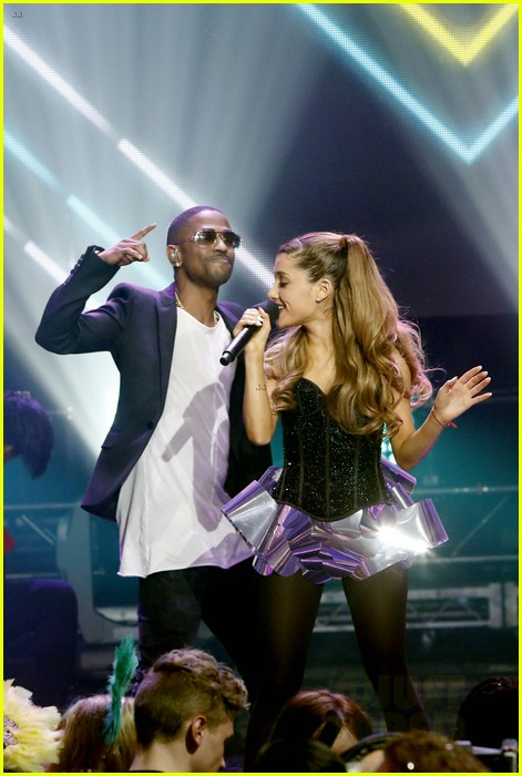 ariana grande dick clarks new years rockin eve performance video 013020825