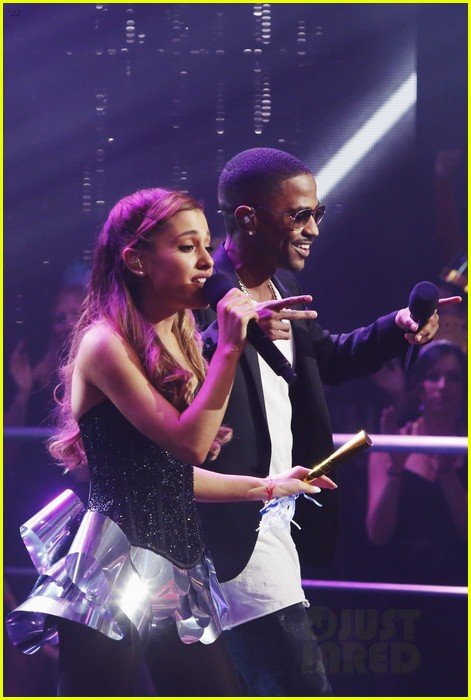 ariana grande dick clarks new years rockin eve performance video 09