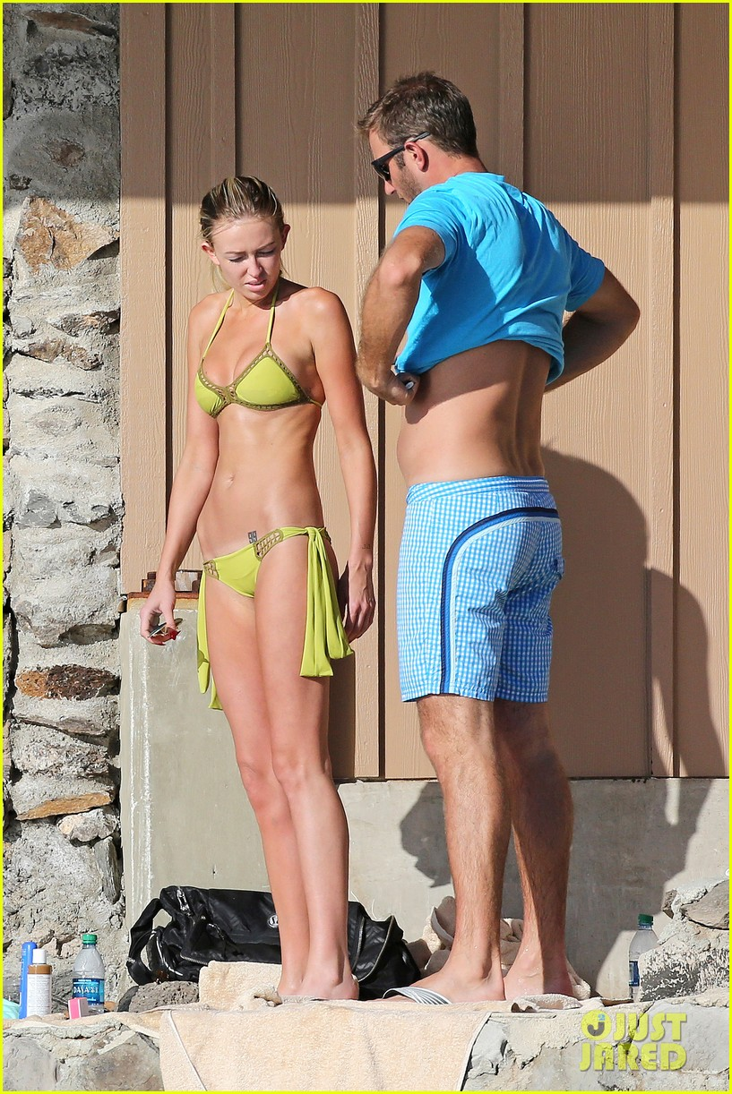 paulina gretzky golfer dustin johnson beach bods in hawaii 10