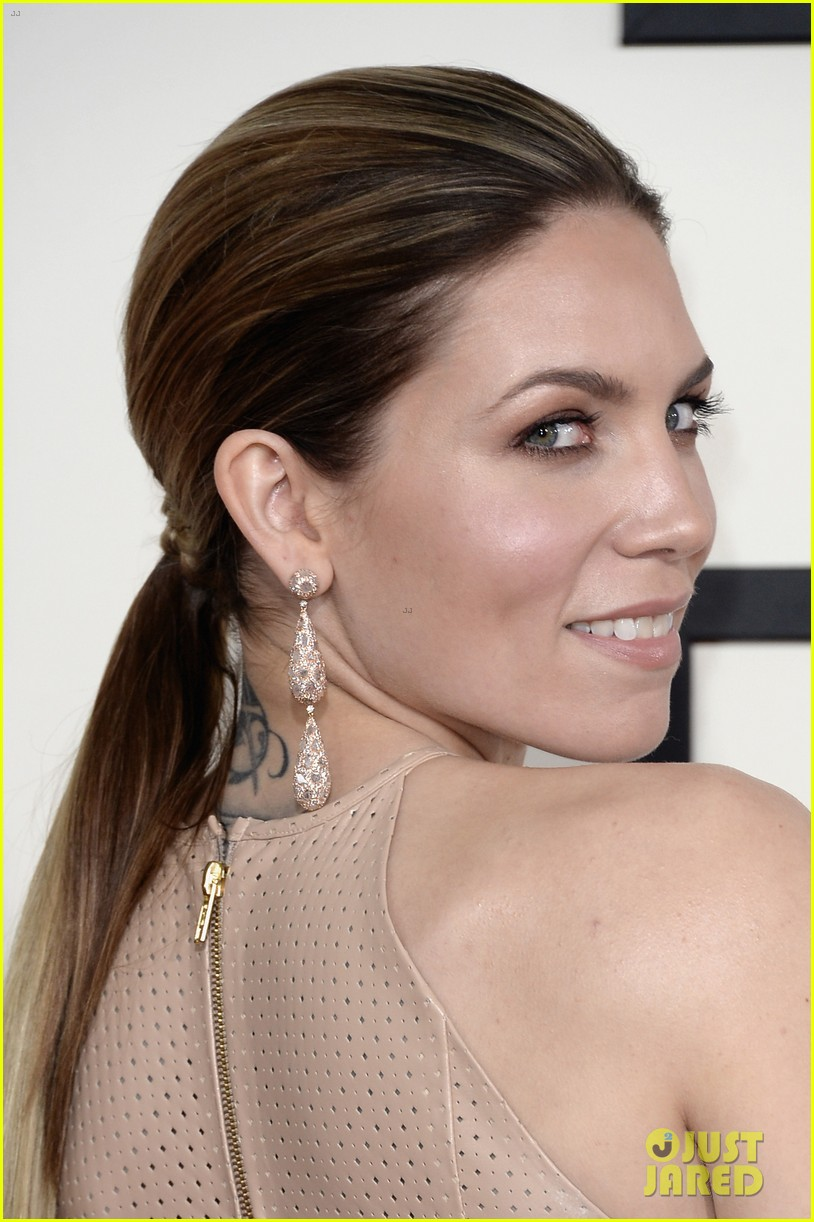 skylar grey grammys 2014 red carpet 04