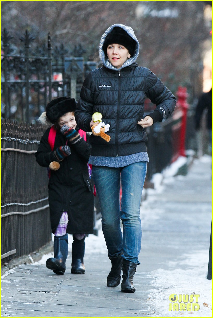 maggie gyllenhaal new york weather is bringing me down 13
