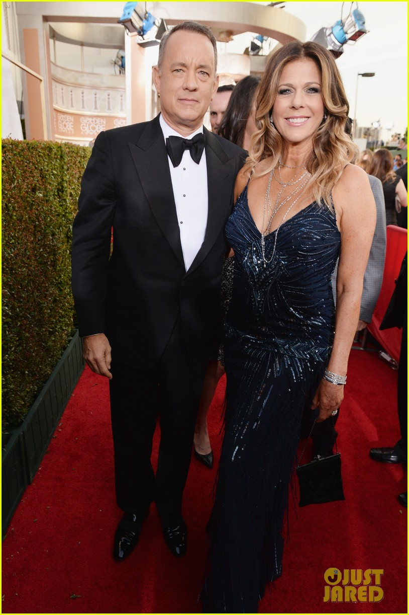 tom hanks rita wilson golden globes 2014 red carpet 053029617