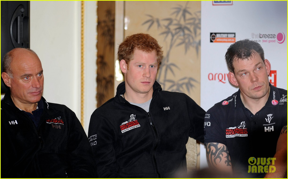 prince harry debuts freshly shaved face at south pole press conference 06
