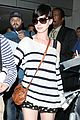 anne hathaway greets mob of fans at lax 22