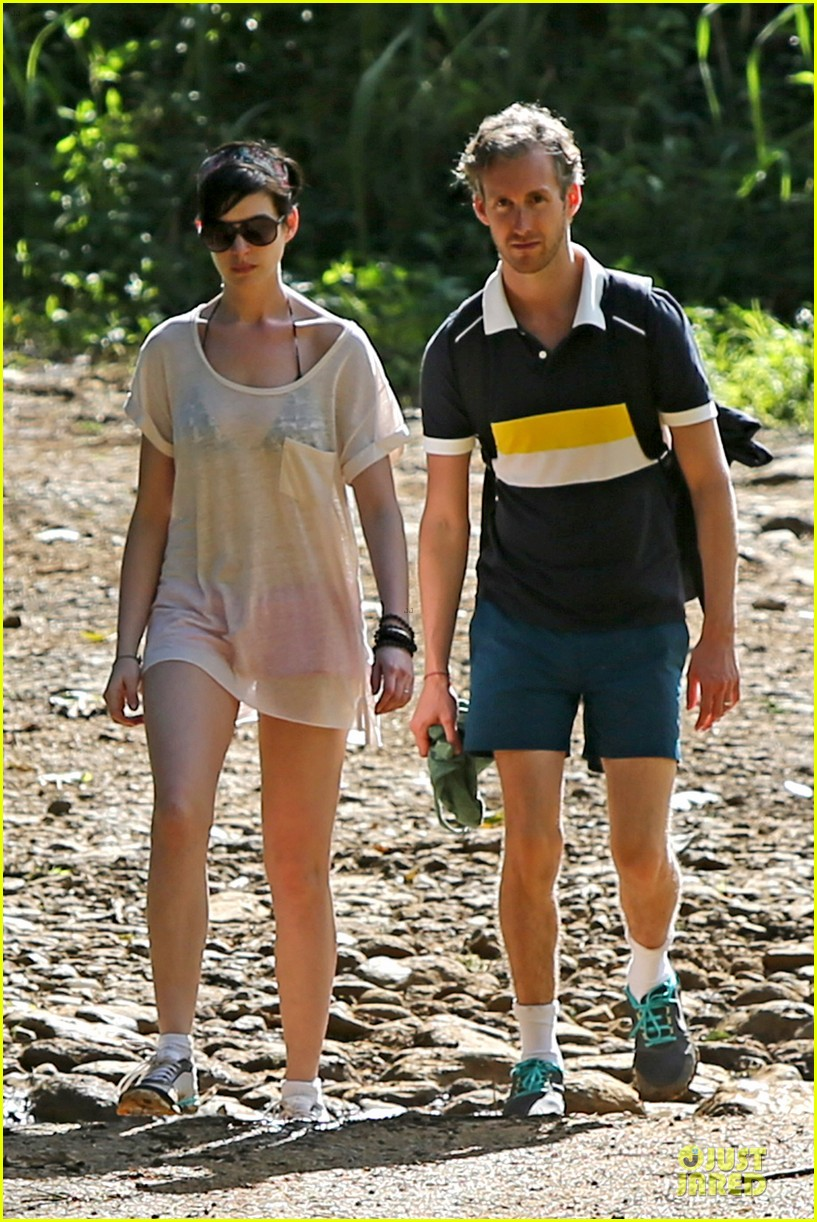 anne hathaway song one set for sundance premiere 01