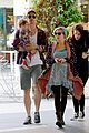 chris hemsworth true food lunch with elsa pataky india 25
