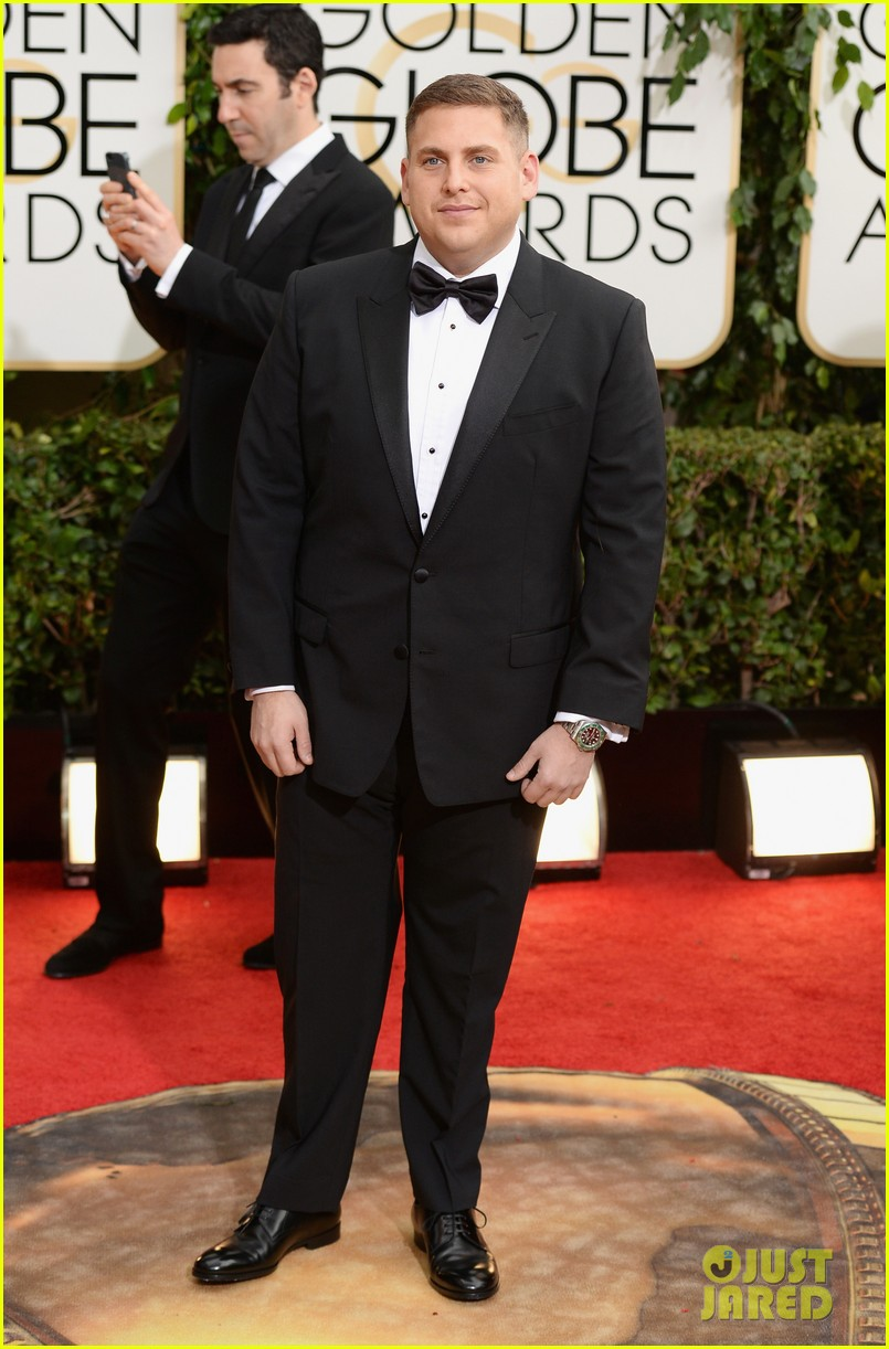 jonah hill golden globes 2014 red carpet 073029573