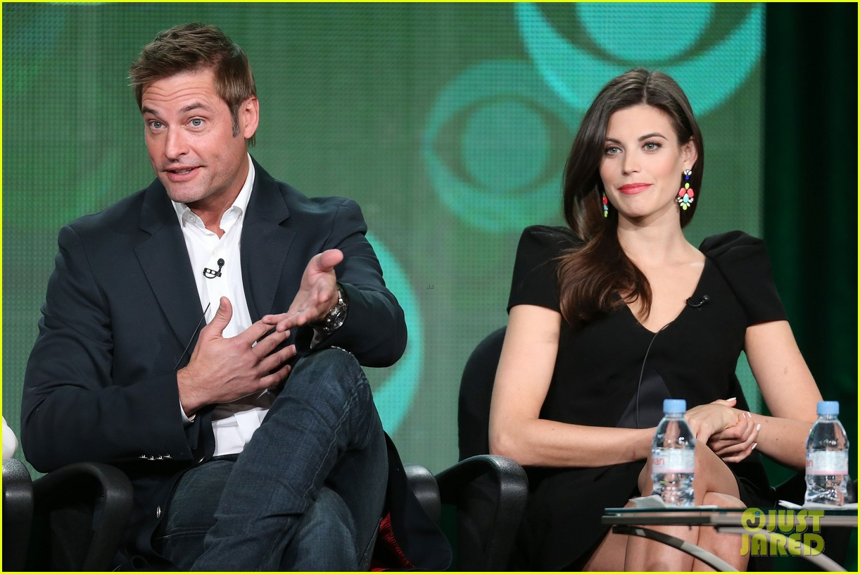 josh holloway meghan ory intelligence panel at tca tour 09
