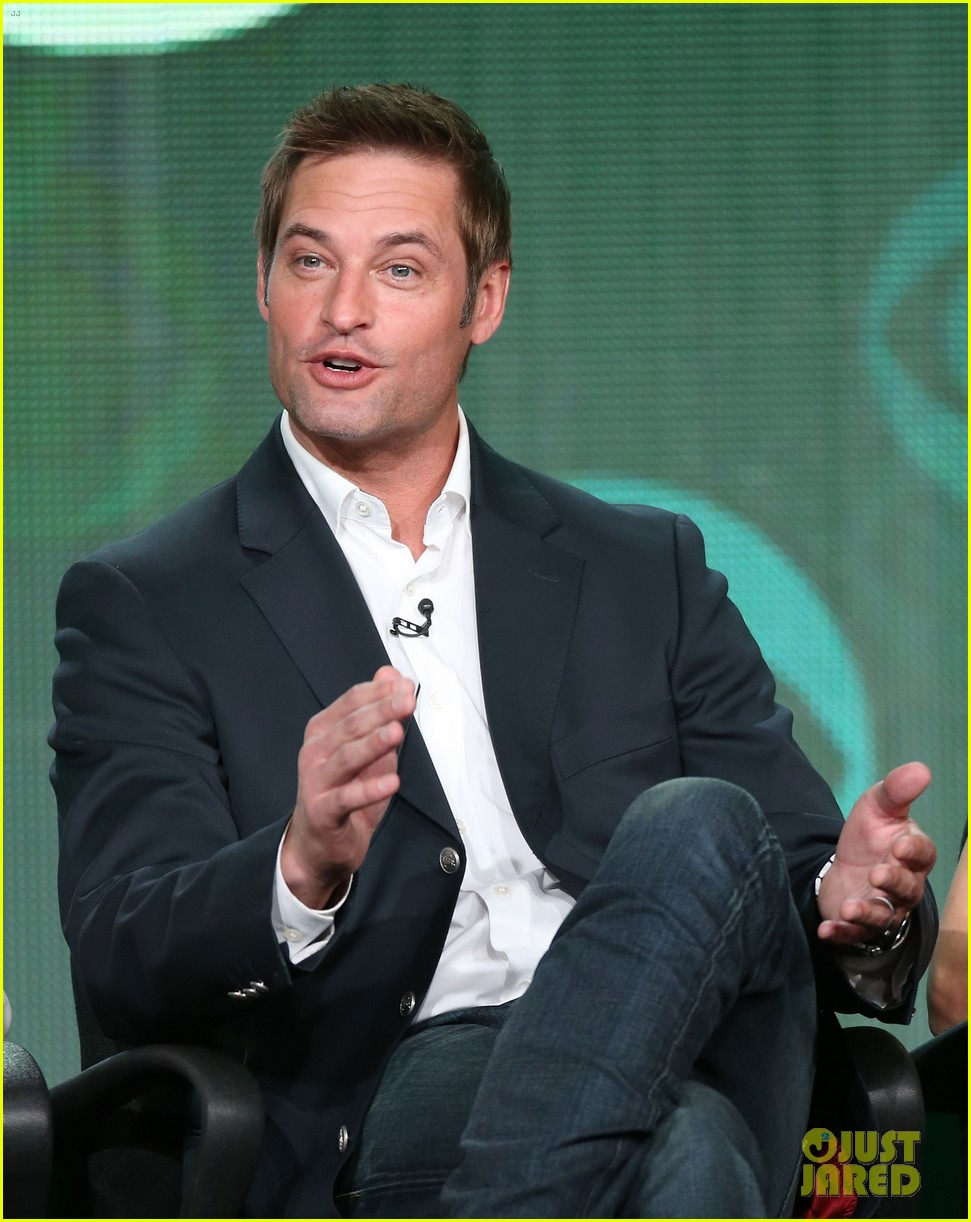 josh holloway meghan ory intelligence panel at tca tour 11
