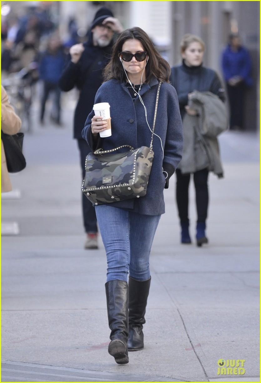 katie holmes raves on zachary quinto glass menagerie 033033922