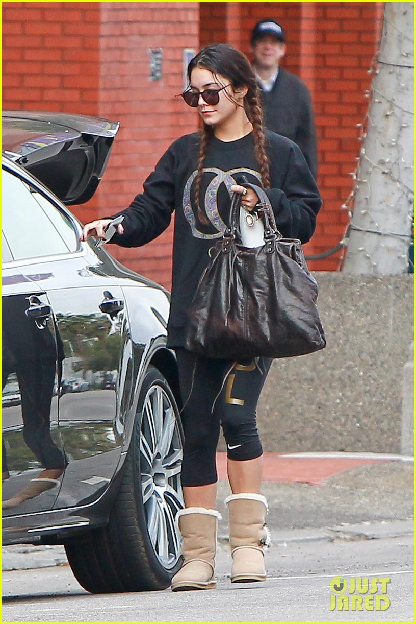 vanessa hudgens credits croissants for gimme shelter weight gain 033041763