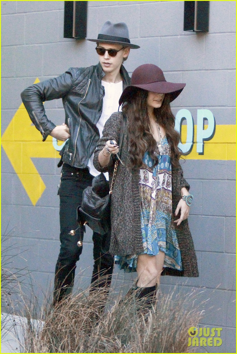 vanessa hudgens hangs with austin butler before leno taping 043032280