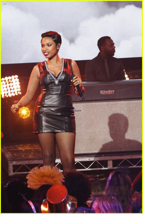 jennifer hudson belts it out for new years eve 2014 video 01