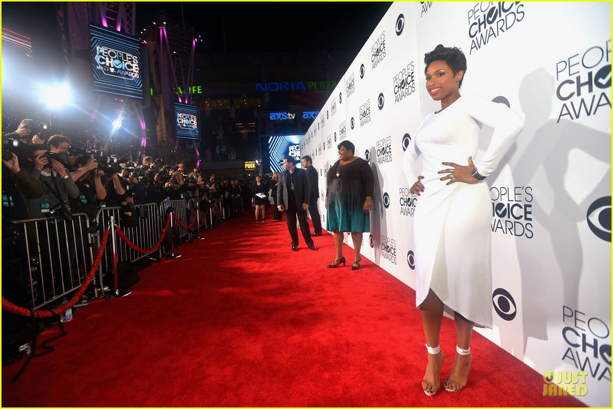 jennifer hudson peoples choice awards 2014 red carpet 093025581