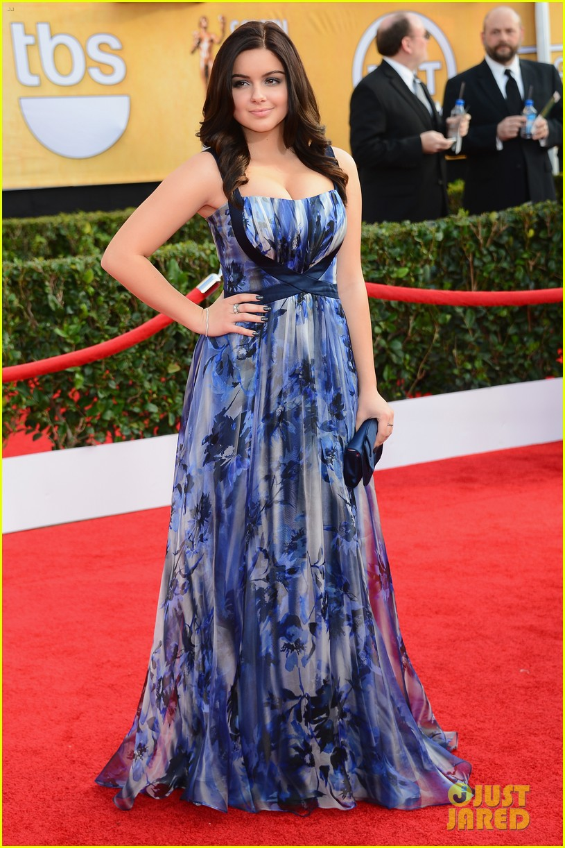 sarah hyland ariel winter sag awards 2014 red carpet 13