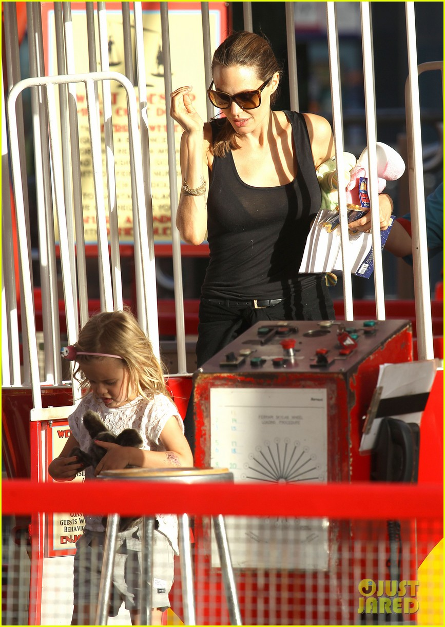 angelina jolie luna park fun with the kids 39