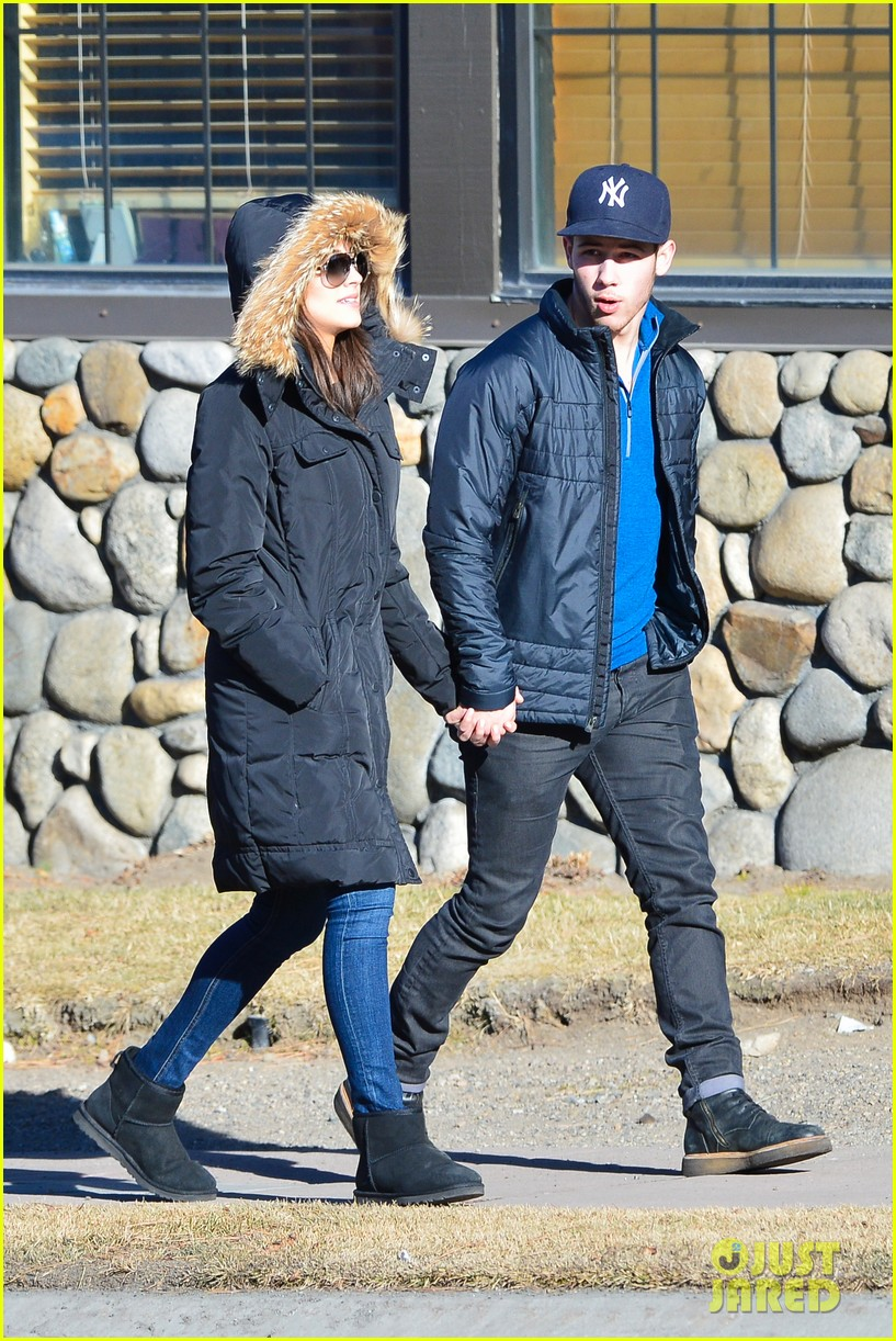 nick jonas olivia culpo hold hands in chilly mammoth 103021536