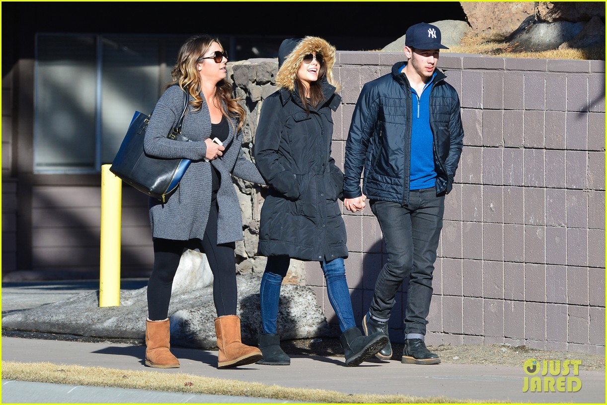nick jonas olivia culpo hold hands in chilly mammoth 153021541