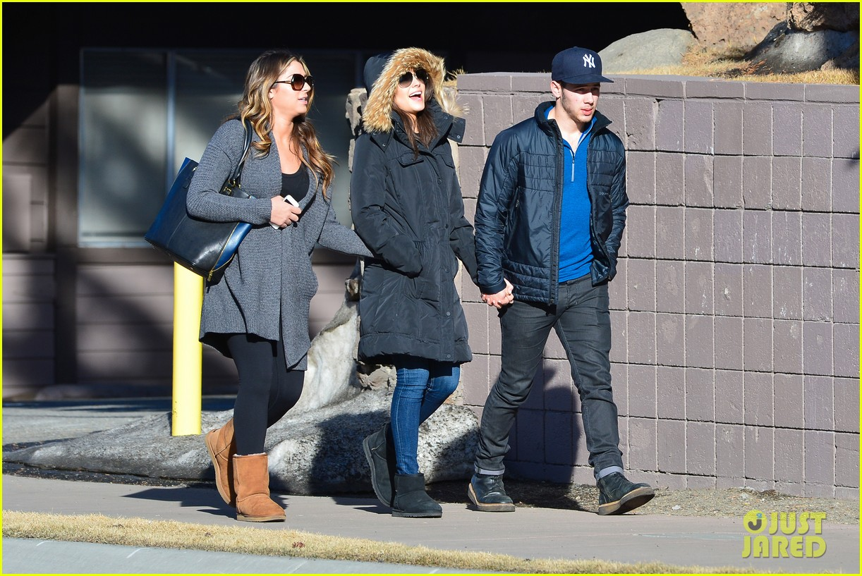nick jonas olivia culpo hold hands in chilly mammoth 17