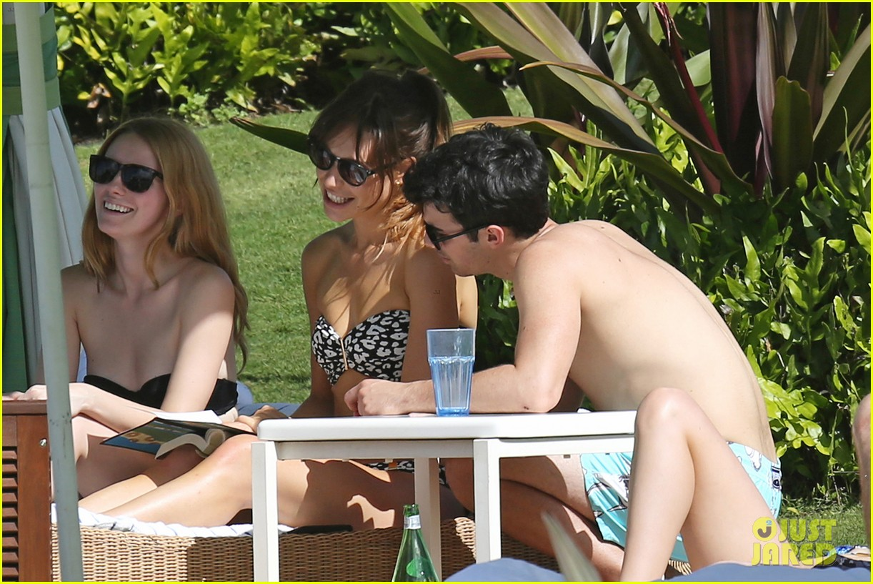 joe jonas shirtless beach frisbee player in hawaii 113023736