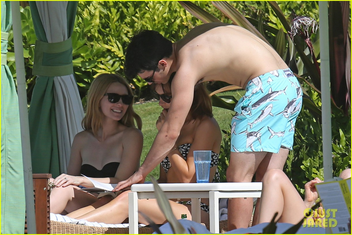 joe jonas shirtless beach frisbee player in hawaii 163023741