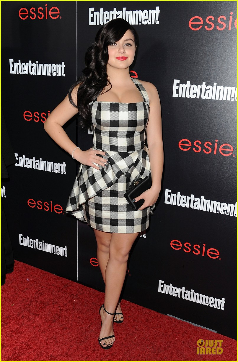 jesse tyler ferguson ariel winter ew sag nominees party 01