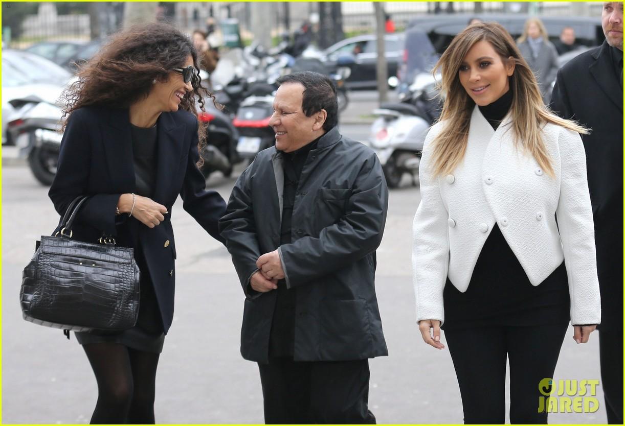 kim kardashian paris museum visits with azzedine alaia 143036950