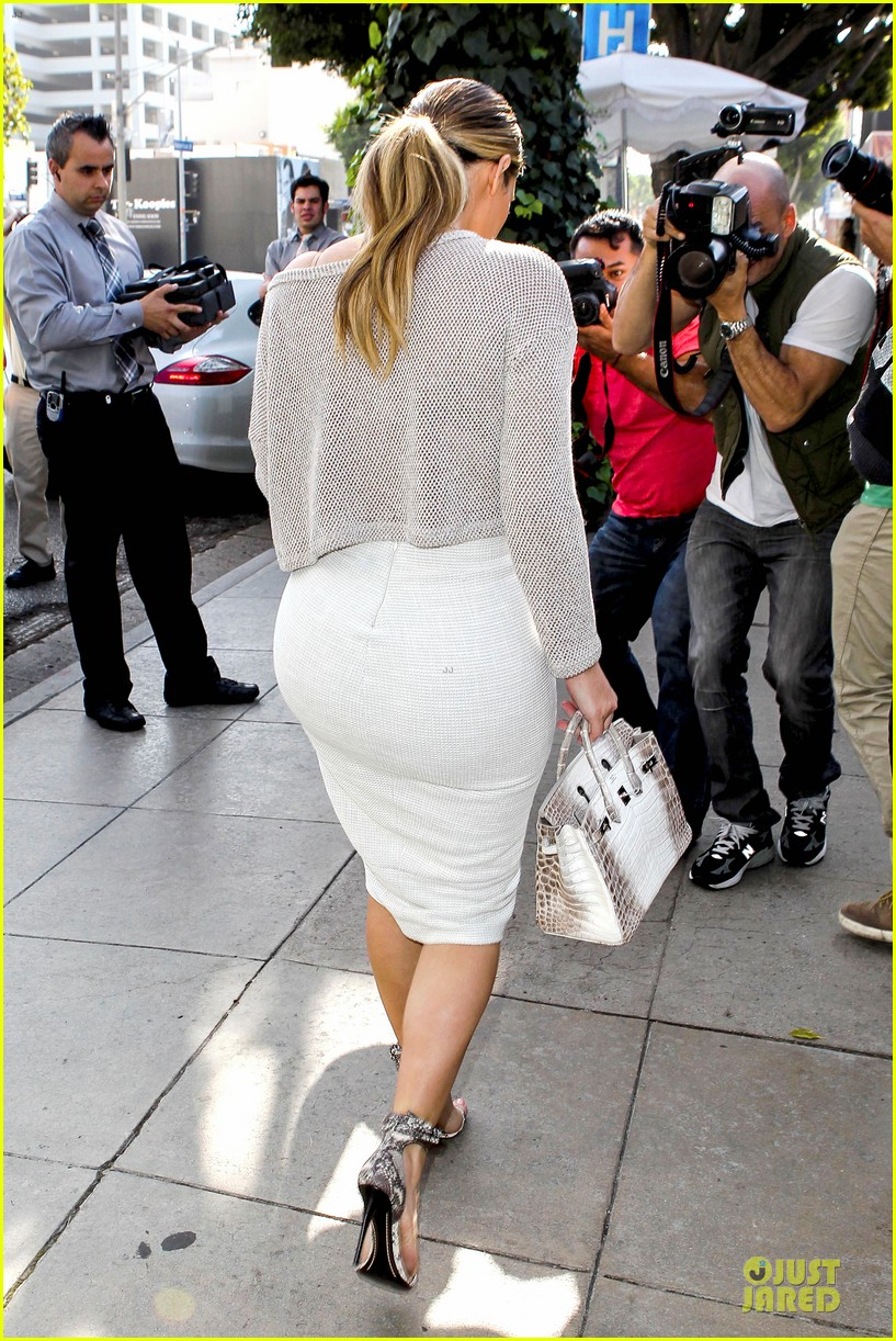 kim kardashian kanye west bright saturday outings 26