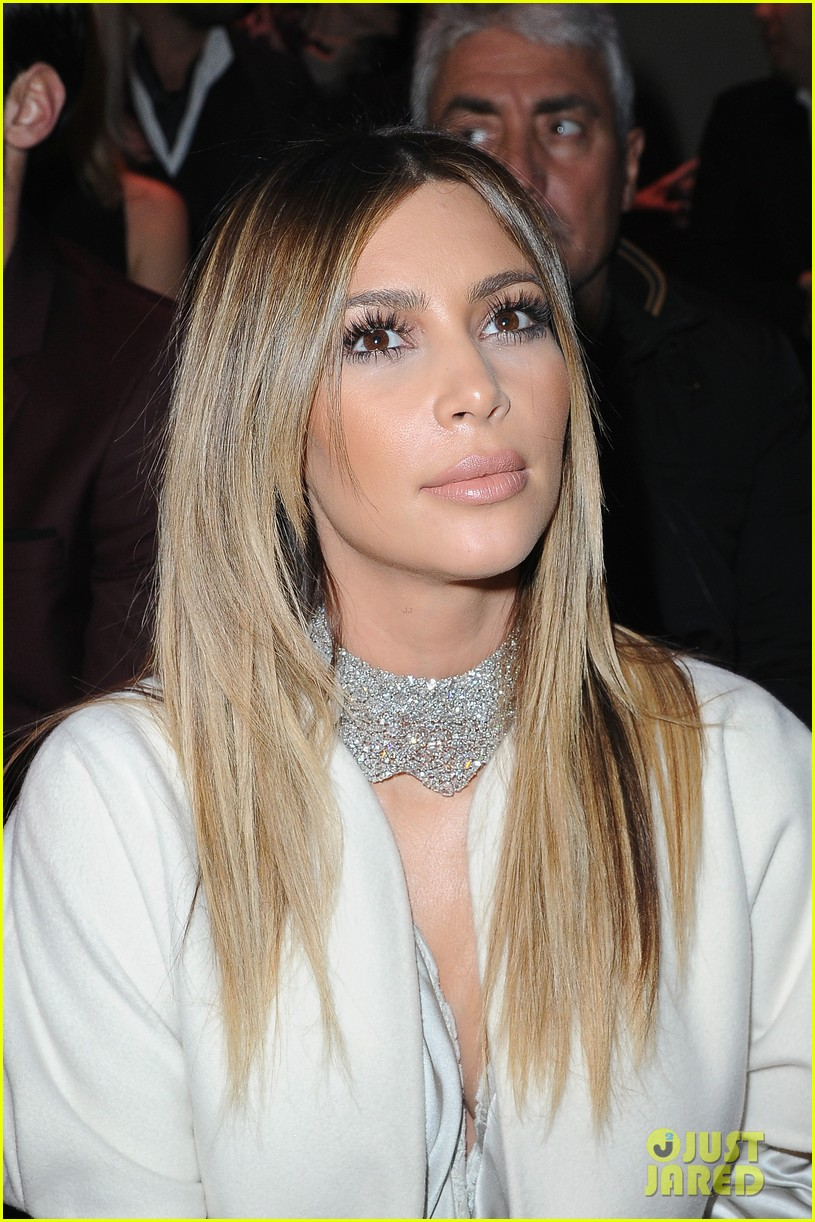 kim kardashian stephane roland fashion show 07