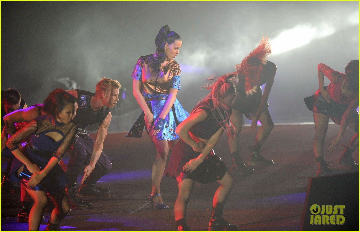 katy perry performs infiniti brand festival 2014 china 14