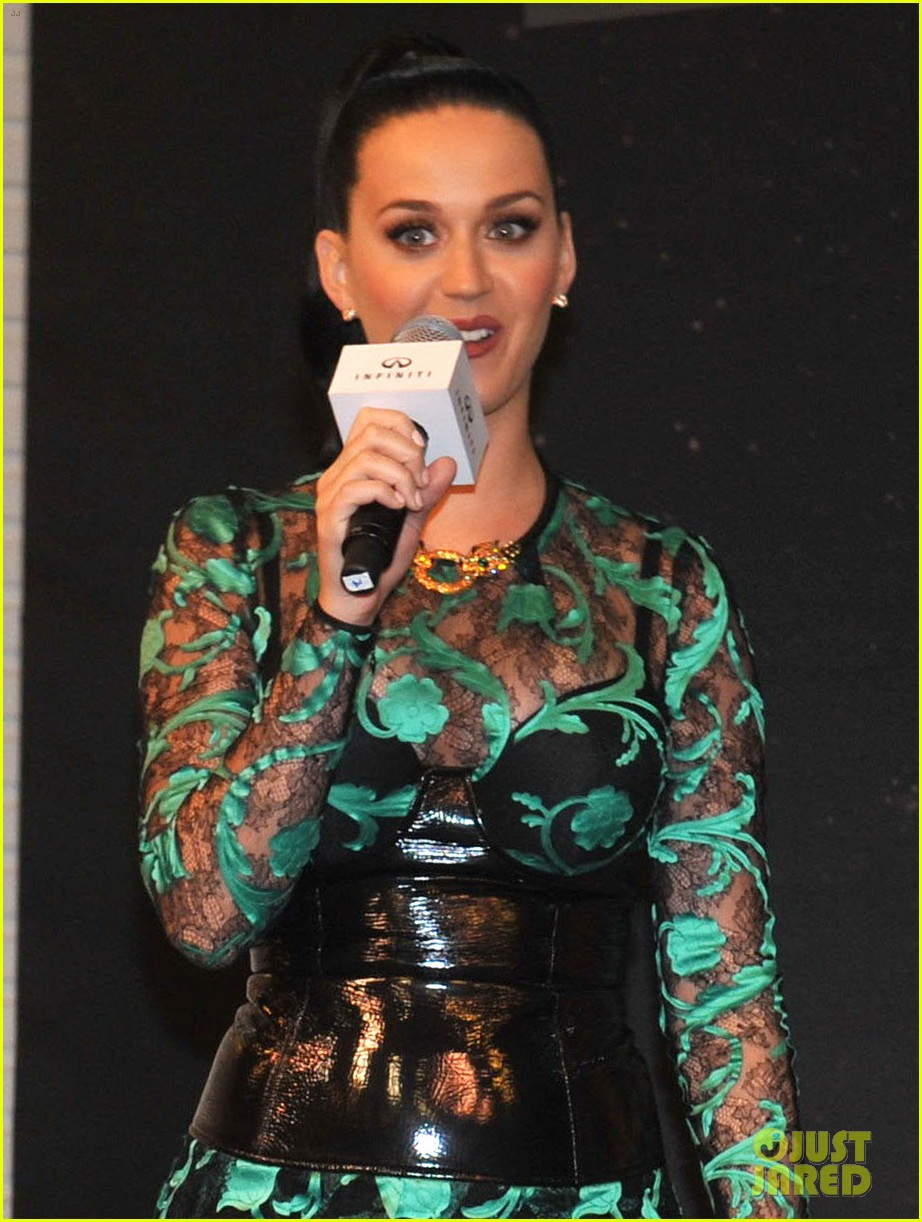 katy perry performs infiniti brand festival 2014 china 18