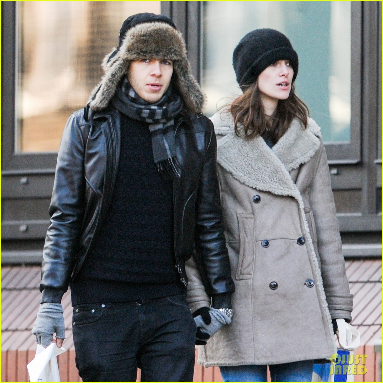 keira knightley james righton walk hand in hand for shopping trip 043031195