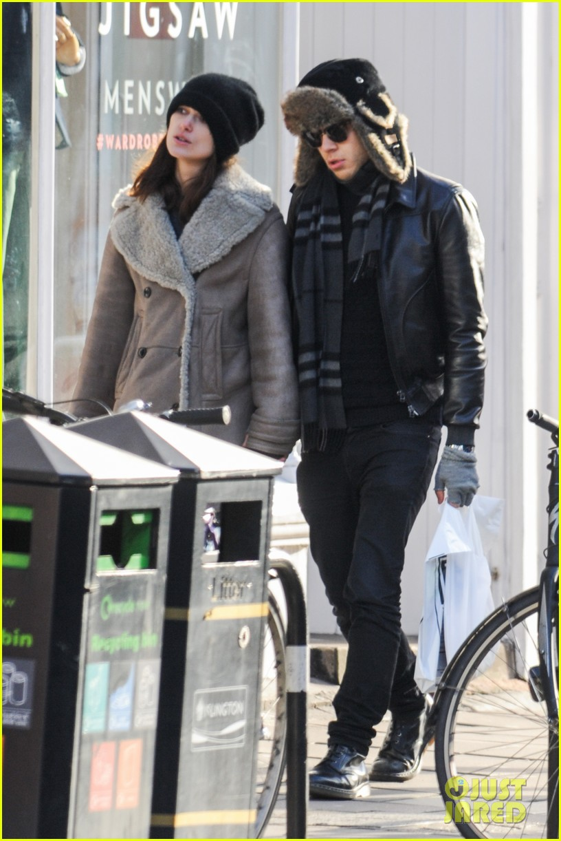 keira knightley james righton walk hand in hand for shopping trip 09