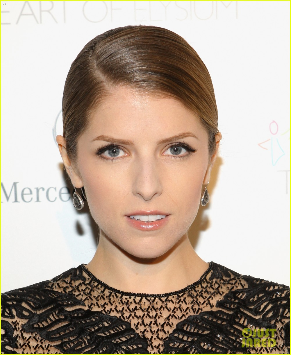 anna kendrick gillian jacobs art of elysium heaven gala 11