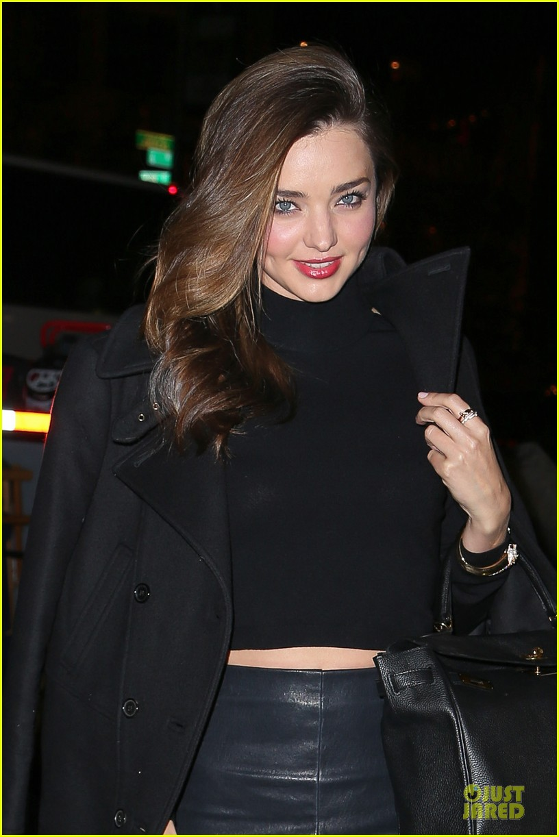 miranda kerr bares midriff to wrap up january 02