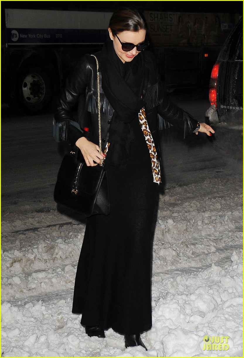 miranda kerr snowy salon stop in the new year 07