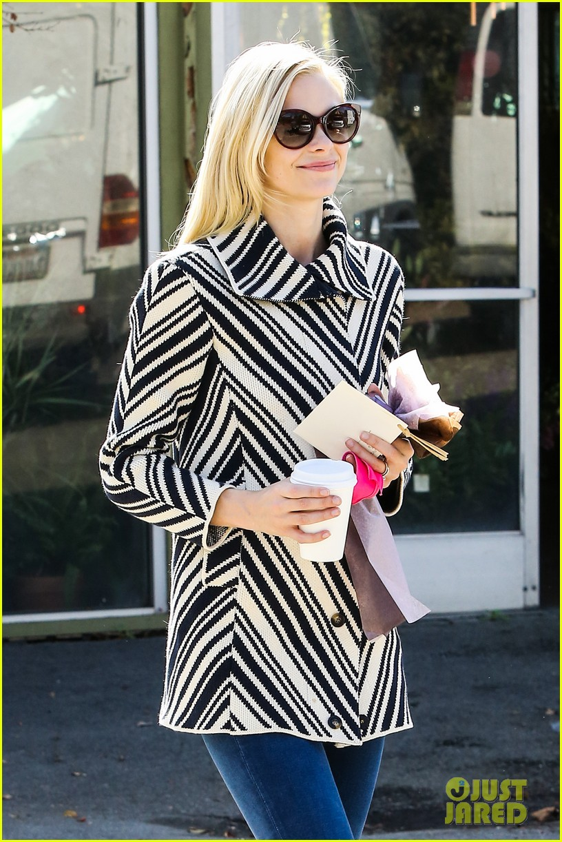 jaime king i love lana del reys new song 043041818