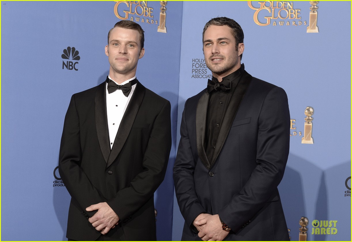 taylor kinney jesse spencer golden globes 2014 033029654