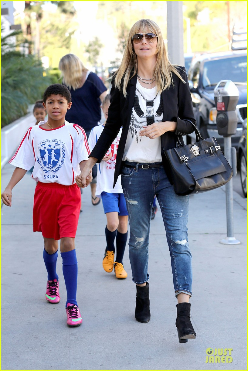 heidi klum grabs coffee before jag gym stop with the kids 10
