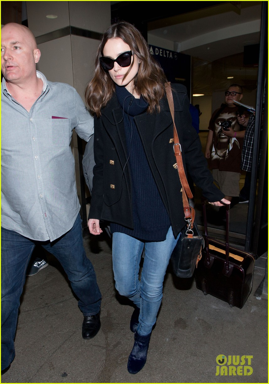 keira knightley visits stella lounge before leaving sundance 07