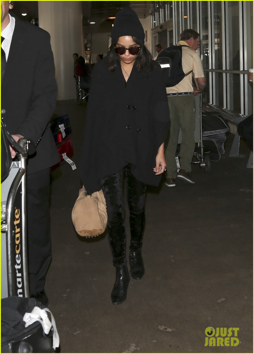zoe kravitz heads to los angeles after supporting pals in nyc 143039037